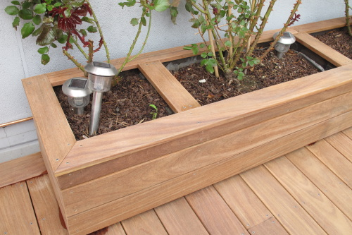 Th me d tails et finition photos de terrasse par th mes - Faire une jardiniere en bois ...