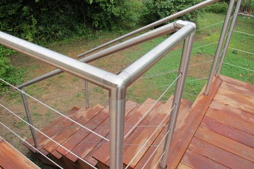 garde corps inox et bois pour terrasse. Black Bedroom Furniture Sets. Home Design Ideas