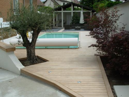 lame terrasse bois teck diverses id es de conception de patio en bois pour votre. Black Bedroom Furniture Sets. Home Design Ideas