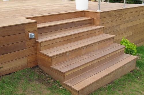 terrasse en bois piscine. Black Bedroom Furniture Sets. Home Design Ideas