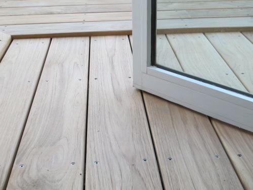 Terrasse en bois marche