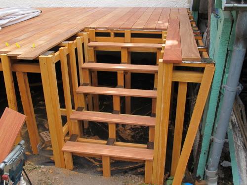 Création de la structure dun escalier intégré dans la terrasse