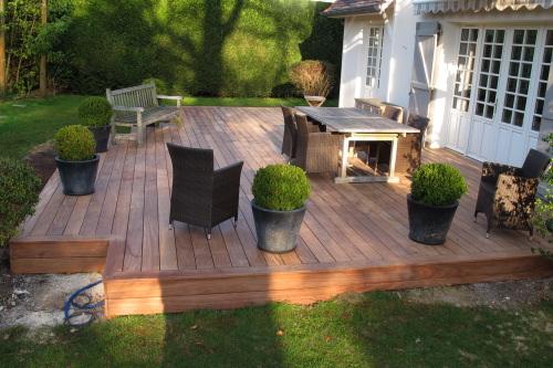 r gles de construction terrasse en bois. Black Bedroom Furniture Sets. Home Design Ideas
