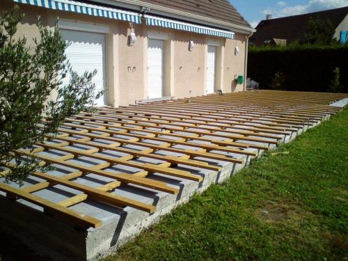 Réaliser Une Terrasse En Bois Sur Dalle Beton