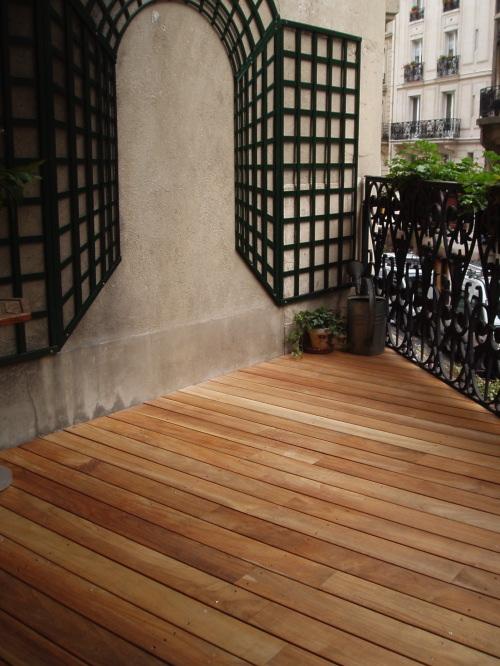 terrasse en lamelles de bois. Black Bedroom Furniture Sets. Home Design Ideas