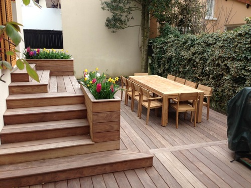 terrasse en bois avec marches et gradins. Black Bedroom Furniture Sets. Home Design Ideas