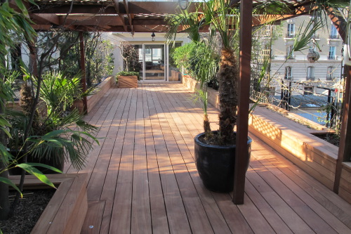 Terrasse en bois en afzelia avec lames de largeurs diff rentes - Ma terrasse en ville ...