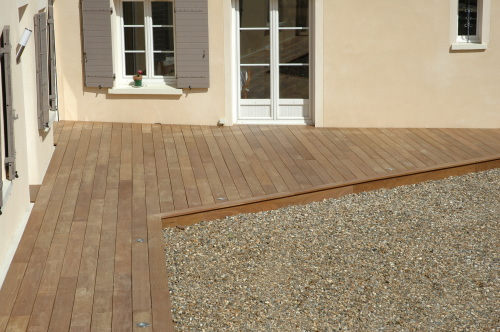 Les experts de la pose de terrasse en bois for Pose de terrasse en bois