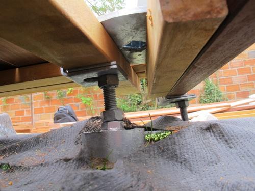 terrasse en afzelia avec voile d 39 ombre. Black Bedroom Furniture Sets. Home Design Ideas