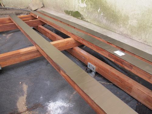 Terrasse en bois en Cumaru sur Bow Window