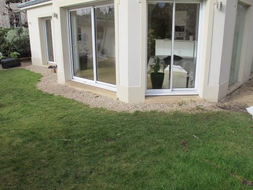 Maison en bois avec bow window ventana blog for Maison avec bow window
