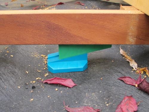 Cales pour terrasses en bois - Cale plastique pour terrasse bois ...