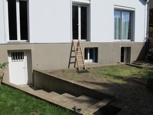 Balcon en bois avec rambarde inox - Maison avec balcon terrasse ...