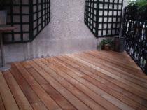 terrasses en bois ou deck en teck. Black Bedroom Furniture Sets. Home Design Ideas