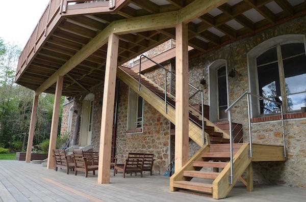 Terrasse En Bois Avec Escaliers