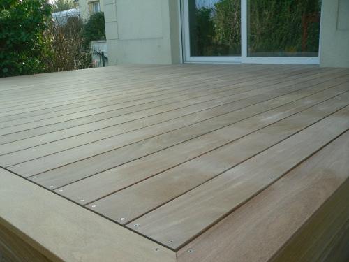 Terrasse en bois avec pose vissée vis inox