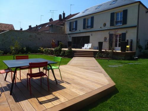 de finition de la terrasse en bois  angle et lames de finition, lames