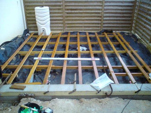 terrasse en bois sur plots b ton ou fondations visser. Black Bedroom Furniture Sets. Home Design Ideas