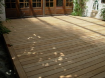 Terrasses en bois ou deck en teck - Lame terrasse en teck ...