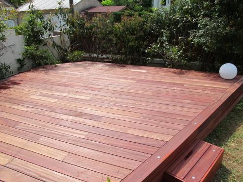 Terrasses en bois en bois d 39 afrique le padouk - Terrasse bois padouk ...