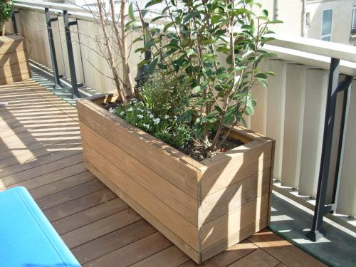 Terrasse en lattes de bois - Construire jardiniere ...