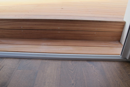 Terrasse en bois composite gris for En bas de ma fenetre