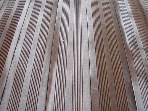 Terrasse En Bois Sut Une Piscine Mal Posée