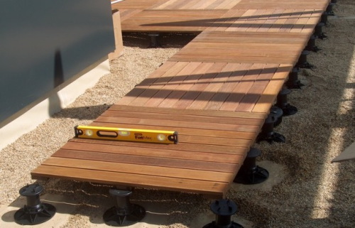 Plots pvc terrasse bois for Dalle pour terrasse sur plot