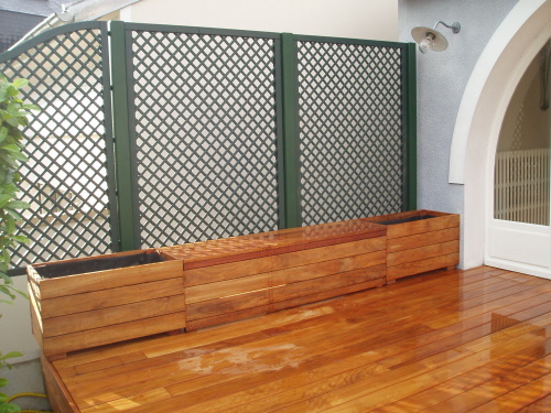 th me jardini res et coffres photos de terrasse par th mes. Black Bedroom Furniture Sets. Home Design Ideas
