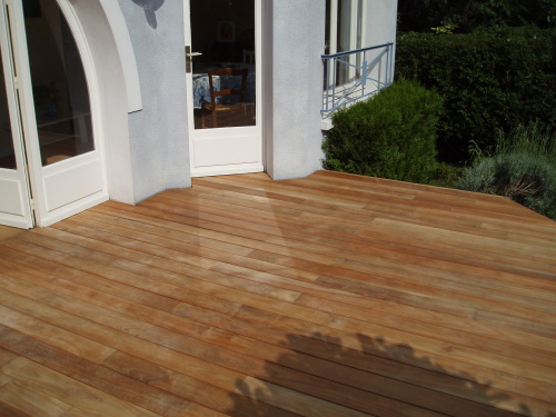 Terrasse en teck good with terrasse en teck beautiful - Entretien parquet en teck ...