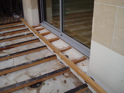 Terrasse en lamelles de bois for Construire et agrandir