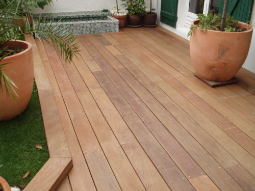Lattes de terrasse en bois exotique - Joint pour terrasse exterieure ...